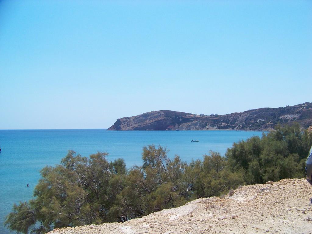 La plage de Provatas, à Milos