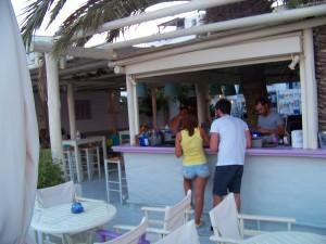 Bar à Chora (Ios, Cyclades, Grèce)