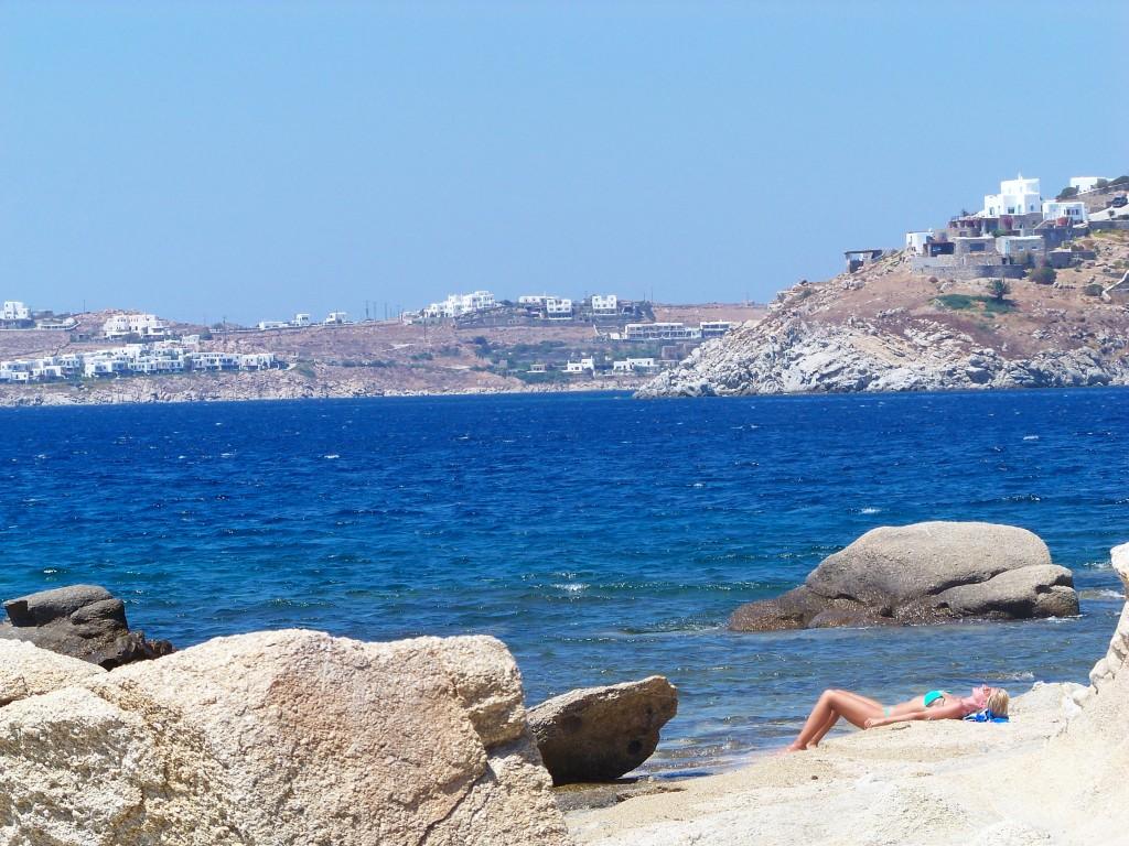 Fille à la plage (Mykonos)