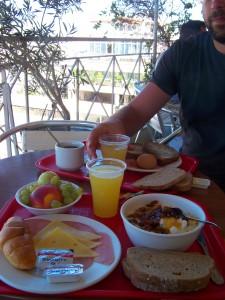 Petit déjeuner à Hôtel Evripides